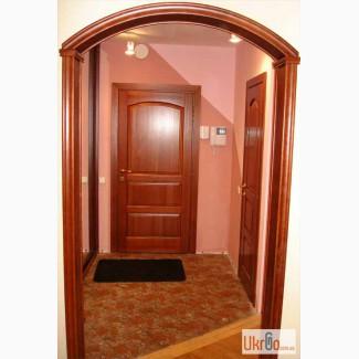 Деревянные двери и арочные проемы