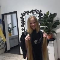 У нас в Днепре вы можете продать волосы дорого от 30 см