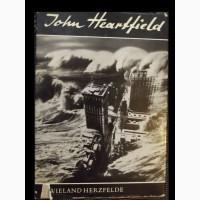 История фотоплаката Джона Хартфилда (немецкий)