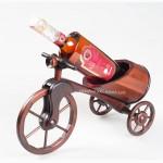 Подарки мужчинам: подставки для вина и деревянные мини бары