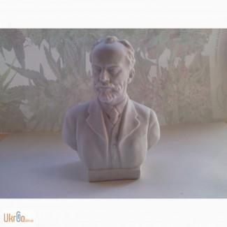 Статуэтка Бюст композитора П. И. Чайковского (фарфор)